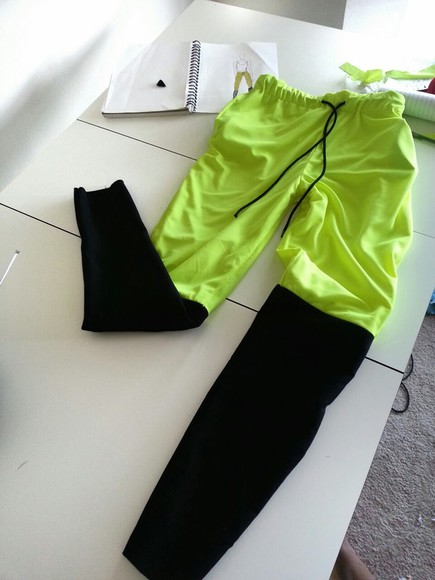 green pants pants two toned pants sweatpants two tone two-tone black, pants, sweatpants,