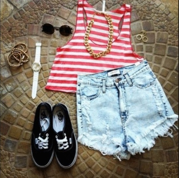 toms white shirt cut off shorts tank top red sunglasses round sunglasses retro round sunglasses