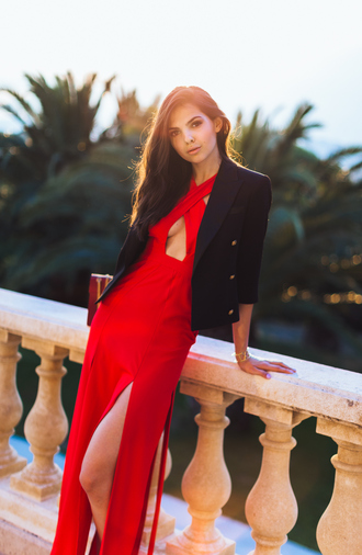 the golden diamonds blogger slit dress red dress black blazer