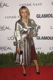 skirt,blouse,metallic,silver,midi skirt,pumps,kat graham