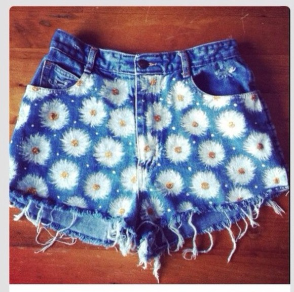 flowers shorts floral short summer blue white flowers denim white yellow daisys