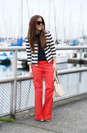 dress corilynn,blogger,jacket,red pants,stripes,striped jacket,pants,top,shoes,bag,blue white red outfit,blue top,wide-leg pants,office outfits,spring outfits,white bag,nautical