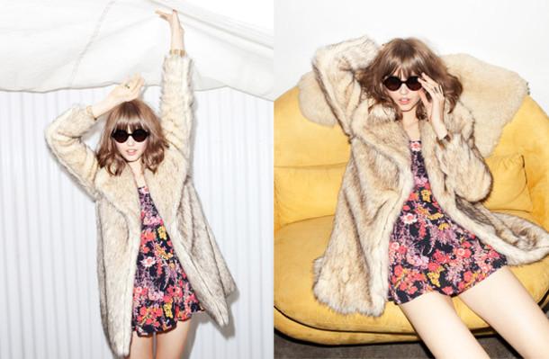 sunglasses round sunglasses faux fur coat faux fur coat jacket floral dress