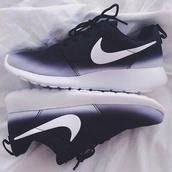 sneakers,nike,roshes,nike roshe run,black and white nike roshe run,black and white,nikes,low top sneakers,shoes,nike running shoes,black,blue,white,roshe runs,nike shoes