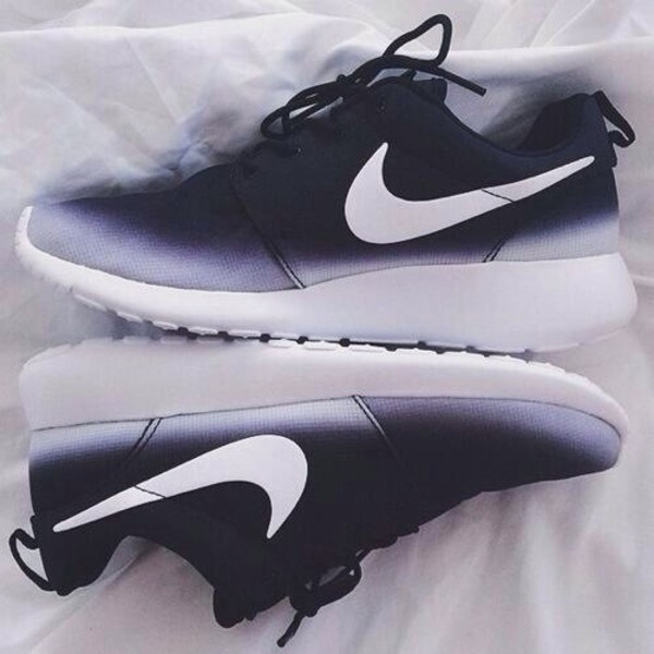 sneakers nike roshes nike roshe run black and white nike roshe run black and white nikes low top sneakers shoes nike running shoes black blue white roshe runs nike shoes