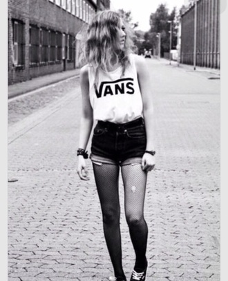 shirt black white vans brand top t-shirt skatergirl skateboard cool
