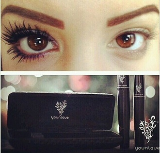 make-up makeup bag makeup brushes eyelashes mascara beautiful pretty