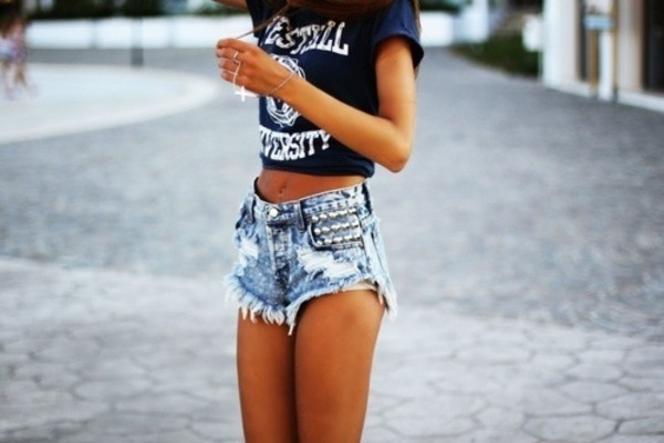 t-shirt shorts university