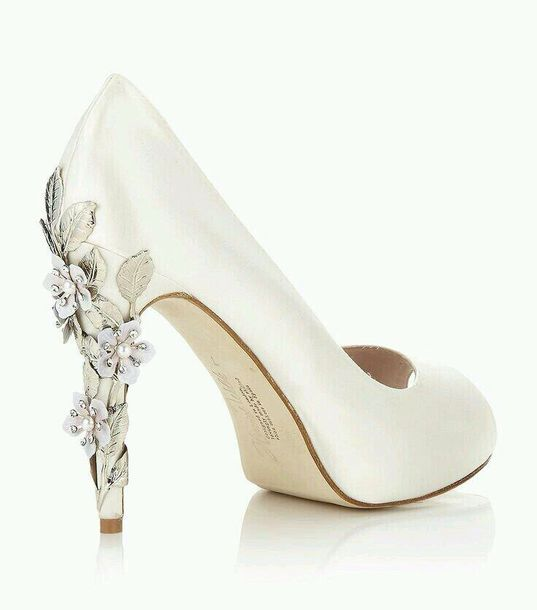 Shoes: white, heels, pumps, white pumps, flower heels, flower high ...