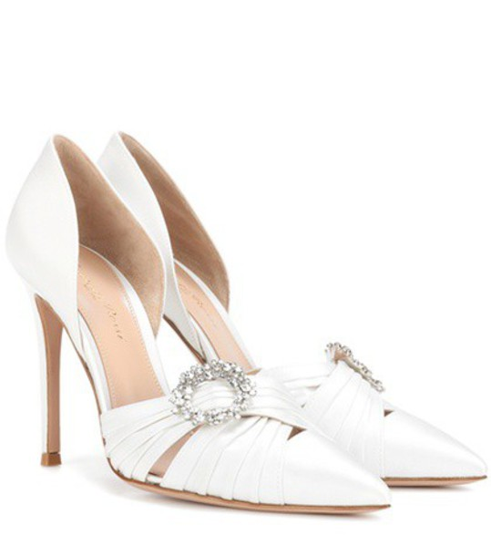 Gianvito Rossi pumps white shoes