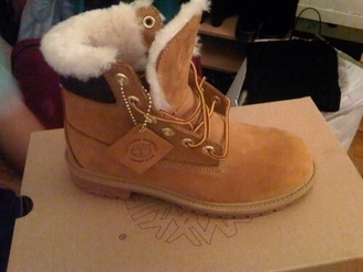 shoes brown shoes boots timberlands khaki soft fluffy hiking