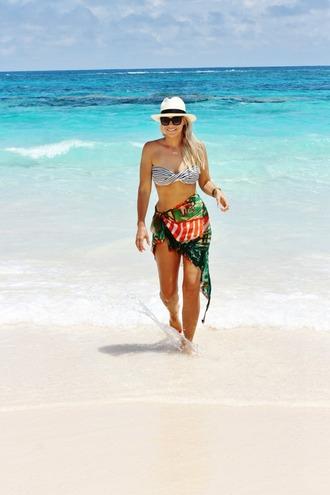 b soup blogger swimwear hat jewels sunglasses