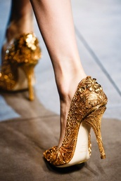 shoes,gold,high heels,gold high heels,golden heels,gold glitter shoes,glitter,elegant,gold heels,crystal,fashion,style,swag,givenchy,louis vuitton,diamonds,pumps,heels,hight heels,red sole,shiny,sparkle,high heel,metal,royalty,gold shoes,beauty and the beast,girl,cute,cute high heels,disney,flowers,princess,heel,stilettos