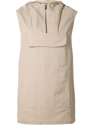 top sleeveless nude