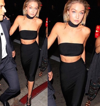 dress gigi hadid top choker top black lace up heels lace up heels bandeau top bandeau black skirt black pencil skirt lace up stilettos jewels jewelry necklace choker necklace black choker model off-duty model
