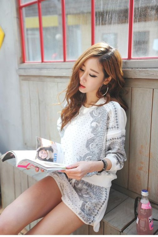 Hot Sale 2013 New European Korean Vintage Print Casual Sports Sweatshirt Top and Shorts Two Sets Twinset Womens Leisure Suit-inHoodies & Sweatshirts from Apparel & Accessories on Aliexpress.com