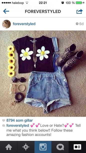 t-shirt shorts shoes sunglasses jewels
