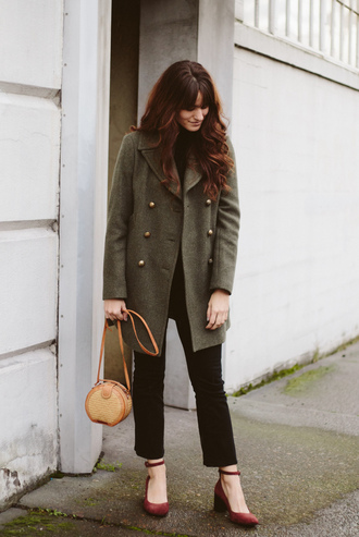 the mop top blogger coat jacket shoes bag pants red shoes mid heel pumps shoulder bag fall outfits