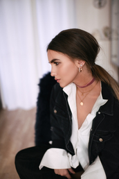 jewels,tumblr,velvet,velvet choker,choker necklace,necklace,gold necklace,jacket,black jeans,denim jacket,shirt,white sneakers,hairstyles,long hair,straight hair,earrings,jewelry,accessories,pink choker