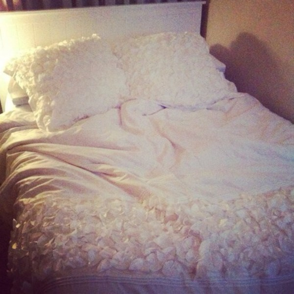 underwear blanket flowers white blanket blankets sheets bedding blanket & pillow blanket wrap bedding bedroom bedding