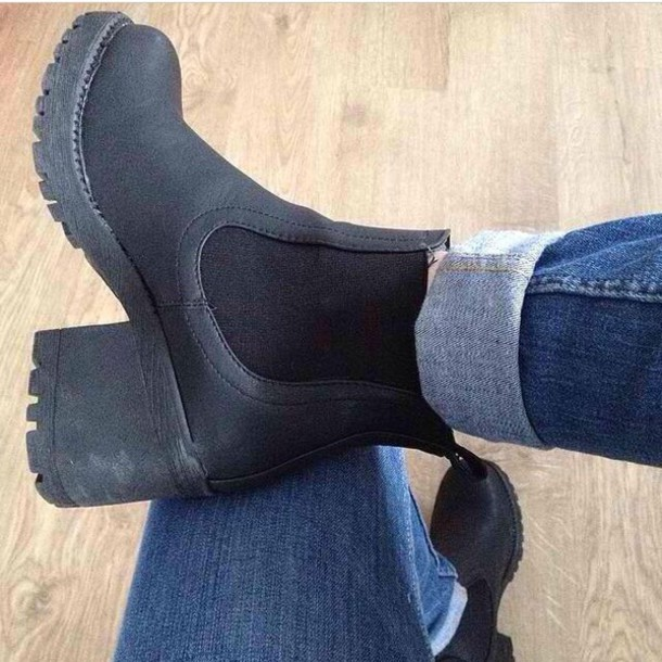 Shoes: chelsea boots heeled chunky, chelsea boots, cleated sole ...