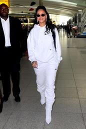 sweater,rihanna,hoodie,boots,white,sweatpants