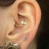 jewels,tragus piercing jewelery,bee,gold,earrings,ear,girl,pink,women,nature