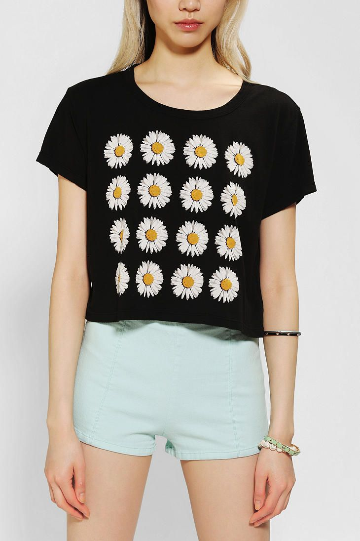 Truly Madly Deeply Daisy Cropped Tee | Style