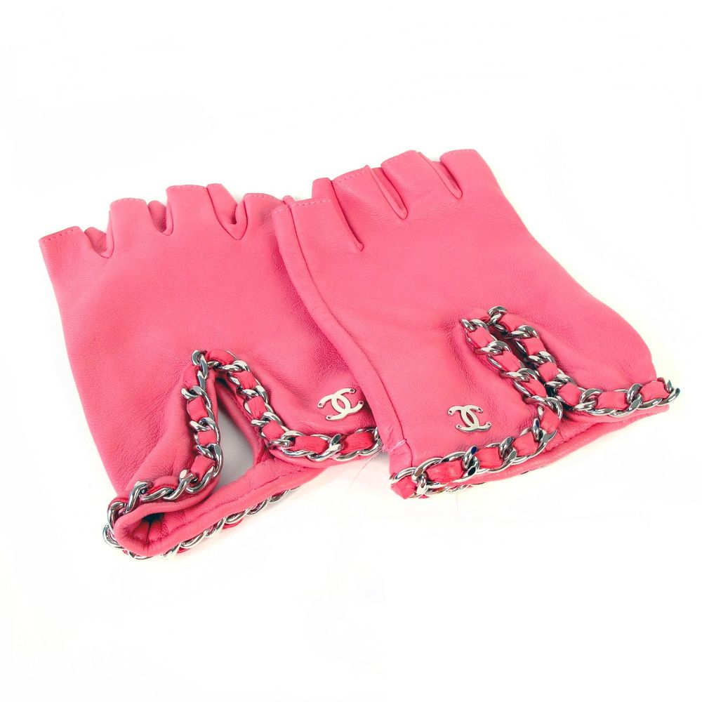 Chanel Gloves - pink leather chain fingerless - new with tags
