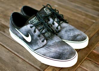 shoes sneakers nike nike running shoes nike sneakers nike shoes nike janoski's nike janoski janoskians janoski smoke smokey black black sneakers gray sneakers