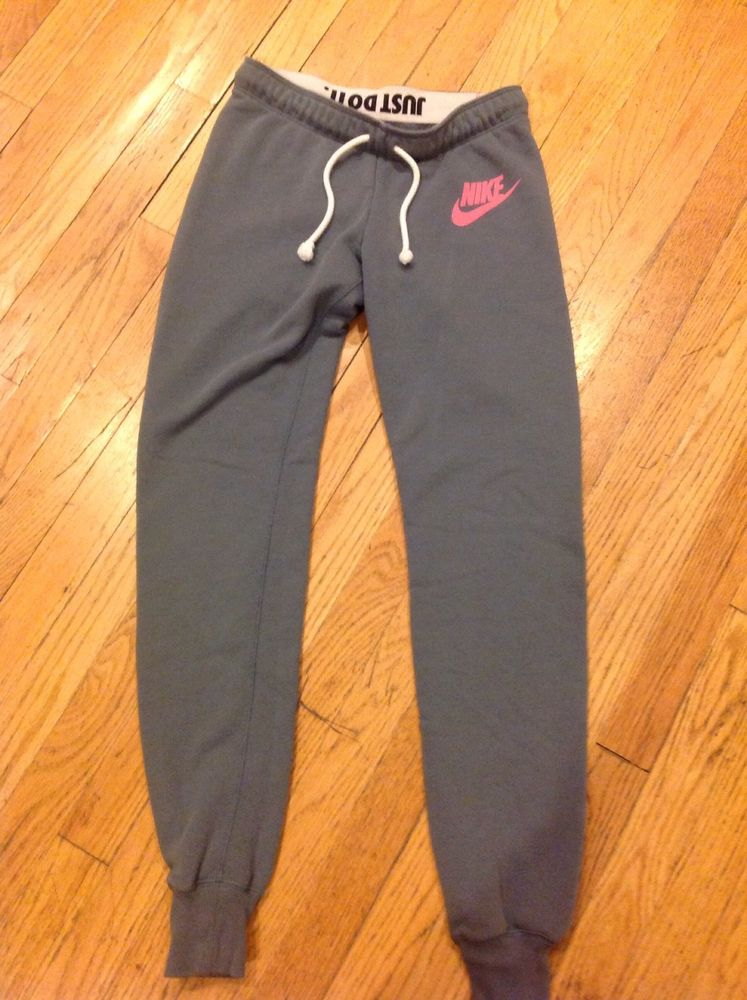 Nike Women's Sweatpants - Cuffed Size Small