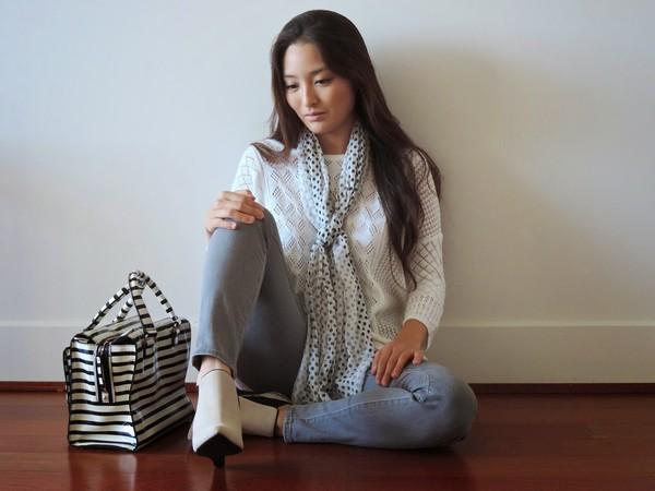 sensible stylista blogger scarf bag