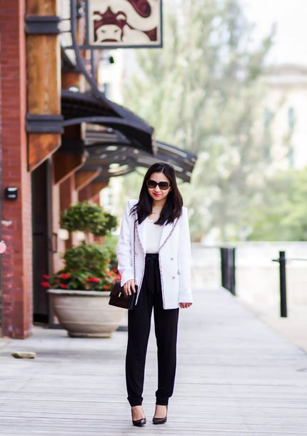 fastfood&fastfashion blogger coat pants tank top top jacket bag shoes fall outfits blazer black pants pumps high waisted pants