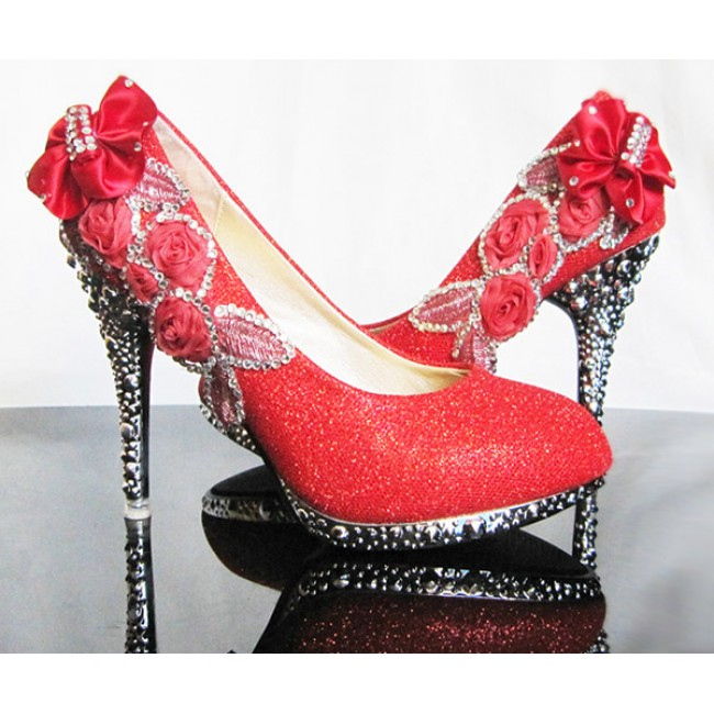 New Arrival Elegant and Dignity Rhinestone Embellished Wedding Shoes For Brides