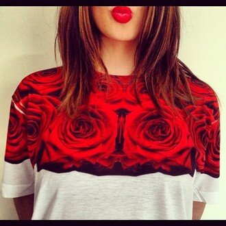 t-shirt style topshop shop fashion rose grey red sos buy shirt swag super cool best 2014 vintage retro great roses red roses like h&m summer 2014 summer outfits sun ok okay sweater