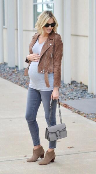 straight a style blogger sunglasses jeans t-shirt jacket shoes bag maternity suede jacket grey bag shoulder bag ankle boots