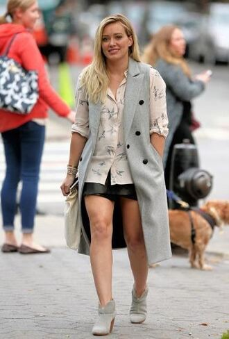 coat vest blouse hilary duff ankle boots skirt mini skirt leather skirt fall outfits