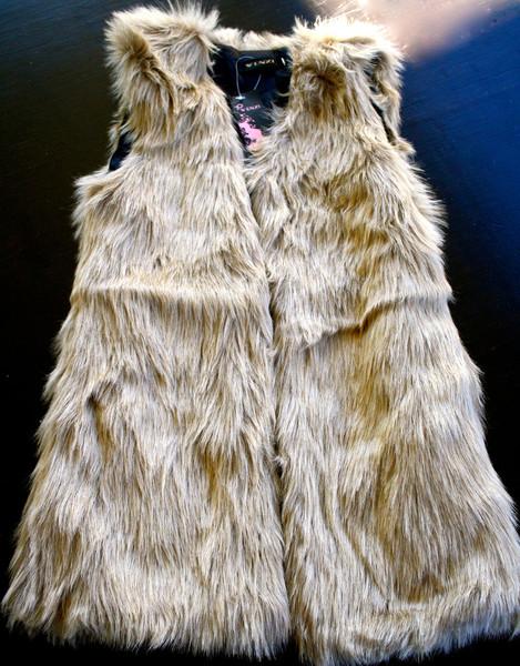 Chic faux fur long vest