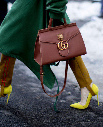 bag nyfw 2017 fashion week 2017 fashion week streetstyle brown bag gucci gucci bag pumps pointed toe pumps high heel pumps neon yellow pants stirrup pants