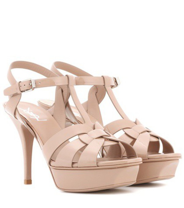 Saint Laurent Tribute 75 patent leather sandals in beige / beige