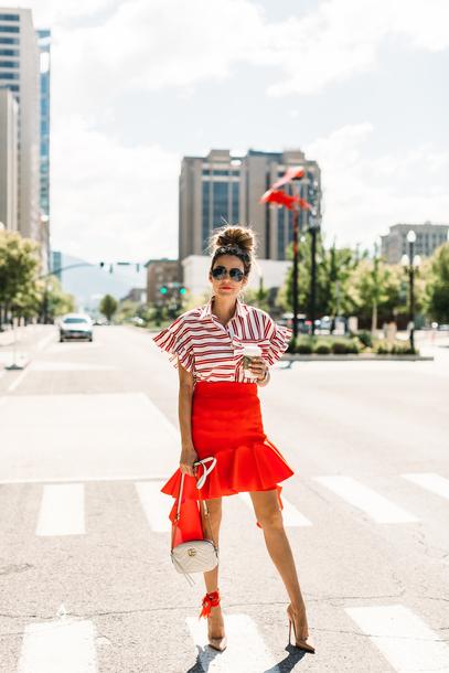skirt pencil skirt striped shirt ruffle skirt blogger blogger style asymmetrical skirt crossbody bag pumps