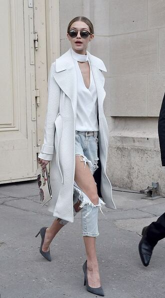 coat pumps ripped jeans blouse gigi hadid streetstyle fashion week 2016 spring outfits shoes heels jeans sunglasses white long coat t-shirt v neck white shirt top trench coat white choker top grey pumps acid wash jeans choker top pointed toe pumps pouch white top white trench white coat fall coat