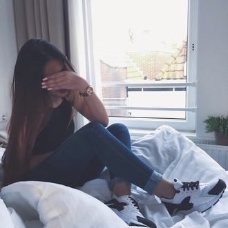 shoes black n' white sneakers long hair gold watch bedroom bedsheets rose hair hairstyles nike running shoes brand dress
