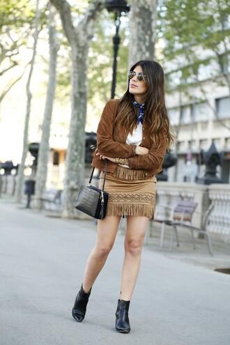 dulceida blogger fringed skirt suede jacket black bag chelsea boots