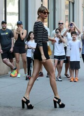 top,shorts,stripes,taylor swift,sandals,platform shoes,shoes,sunglasses