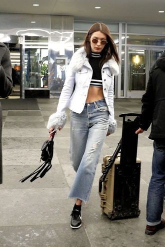 jacket jeans crop tops top sneakers bella hadid model off-duty streetstyle ny fashion week 2017 fashion week 2017 nyfw 2017