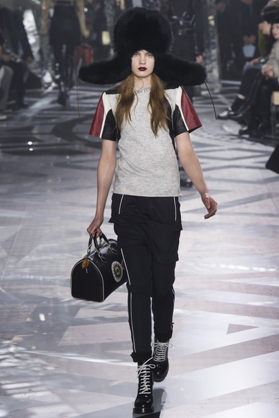 hat top purse pants fur hat fashion week 2016 paris fashion week 2016 louis  vuitton louis a23dfb7fae2