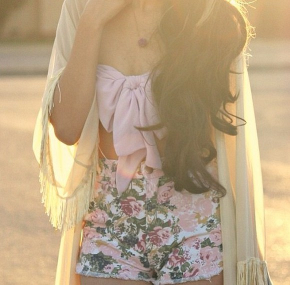 noeud denim blouse cute jacket tank top shorts denim shorts fleurs flowers floral crop tops cardigan pastel rose