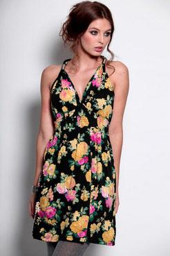 Imogen floral dress at boohoo.com