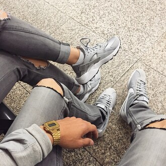 shoes nike tumblr huarache grey shoes wolfgrey silver sneakers instagram swag blvck mens ripped jeans